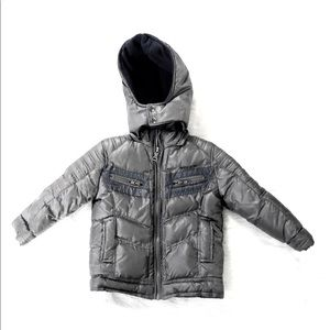 GUESS HOODIE FOR KIDS.SIZE 3T .COLOR GRAY